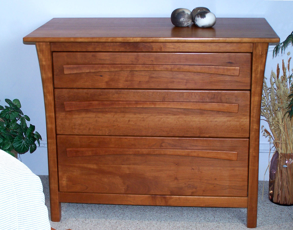Brookfield 3-drawer dresser